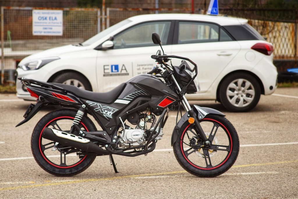 Kategoria AM - motocykl